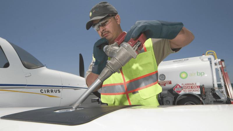 Air BP employee refueling a Cirrus in Oxnard (Photo courtesy Air BP)
