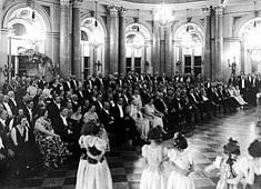 Przyjęcie w Zamku Królewskim dla uczestników III Kongresu Międzynarodowej Rady Łowieckiej, 1934 r. NAC