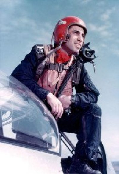 james-jabara-standing-on-a-f-86-sabre-in-an-air-force-photo-from-april-1953