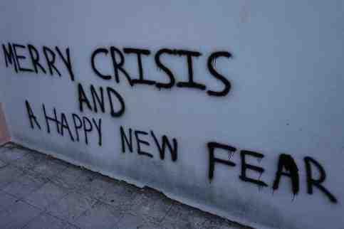 Athènes 0771 Merry crisis