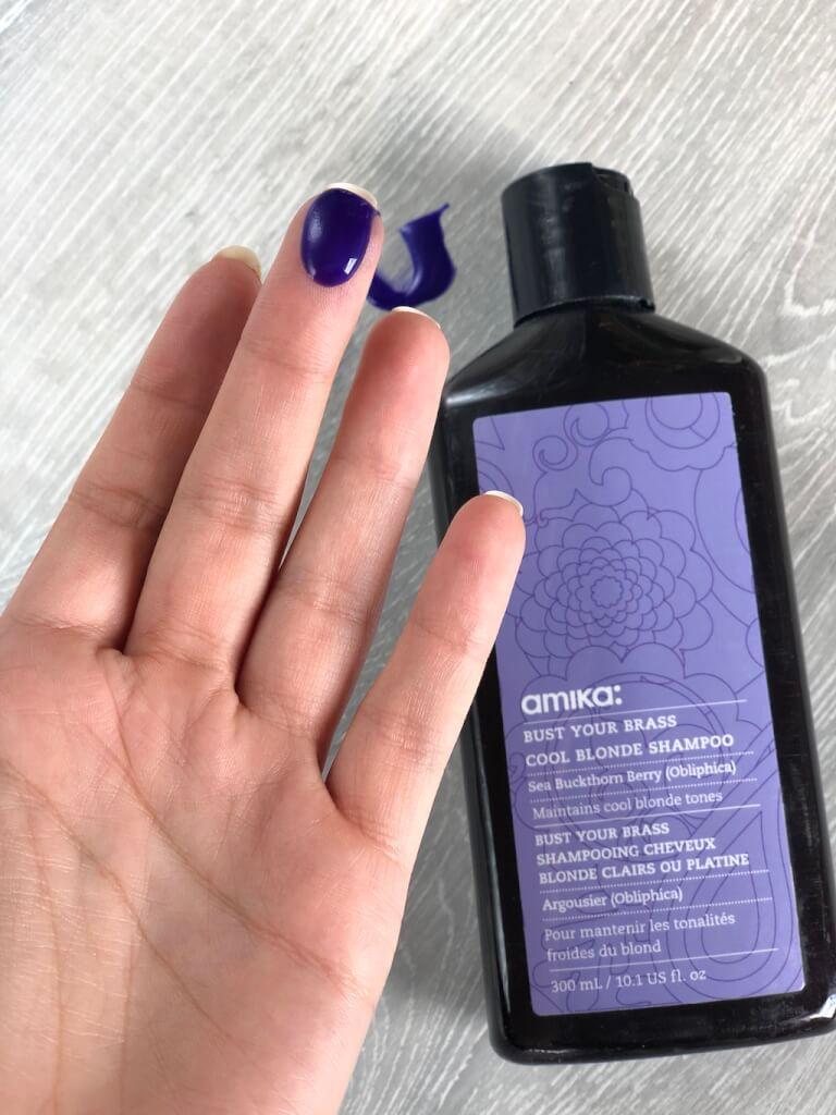 Shampooing mauve pour blondes - Amika.
