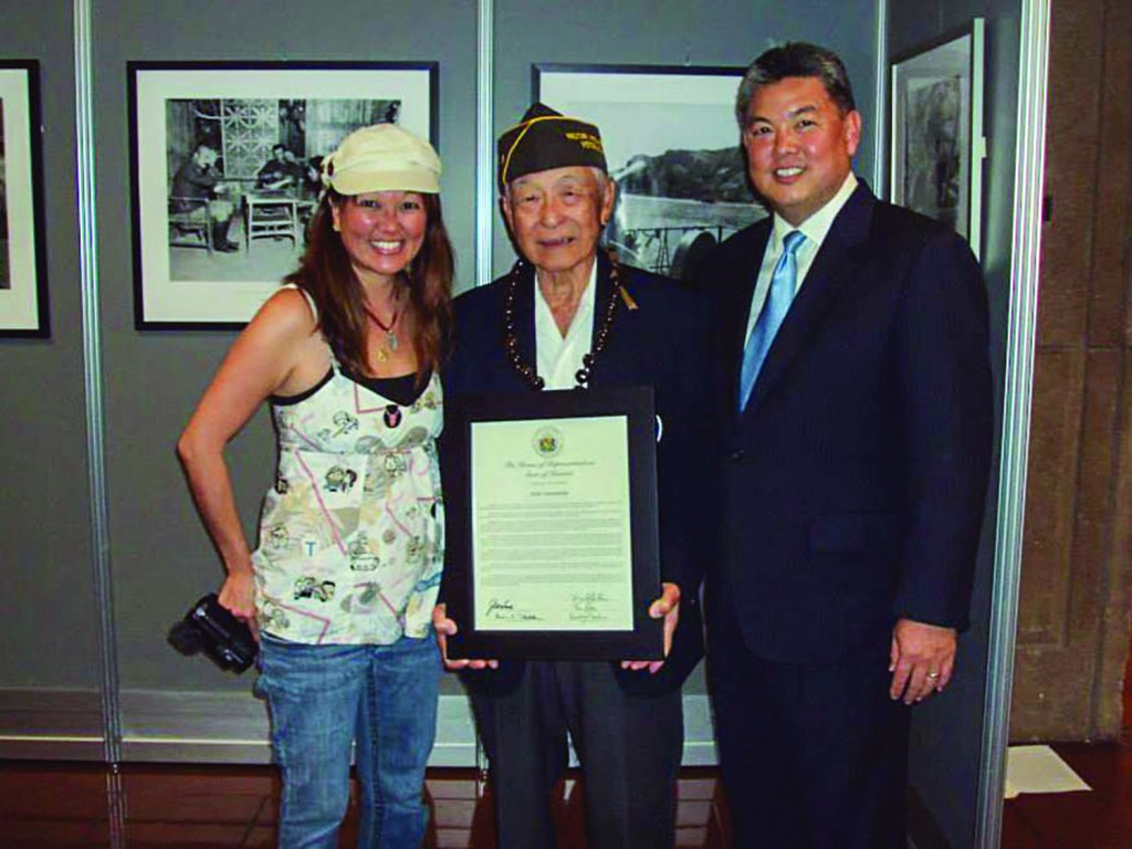 Stacey Hayashi and Rep. K. Mark Takai flank MIS linguist Herbert K. Yanamura, who saved 1,500 civilians in the 1945 Battle of Okinawa.