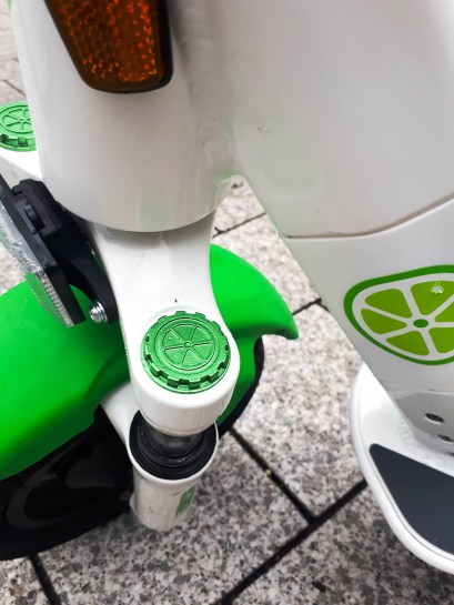Lime E-Scooter - Detail Vordergabel