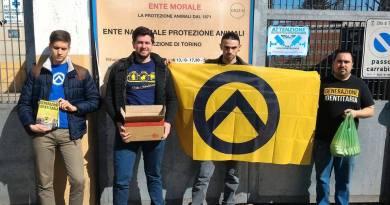 Identitari portano aiuti a canile ENPA vandalizzato dai rom
