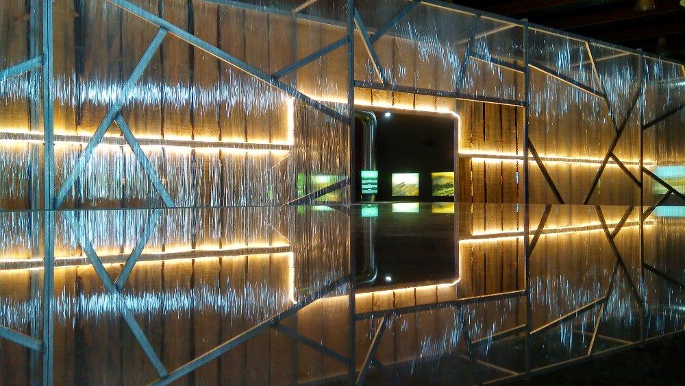Entrada a la plaza del espacio Uviéu Embruxa