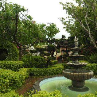 les jardins de la maison précédente
