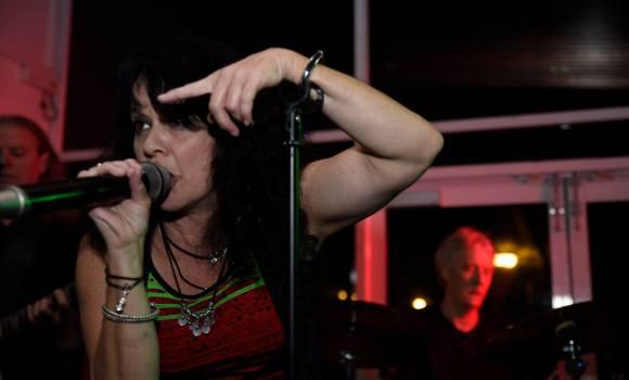 Sharni, lead vocals, Genexis - Mooloolaba Surf Club