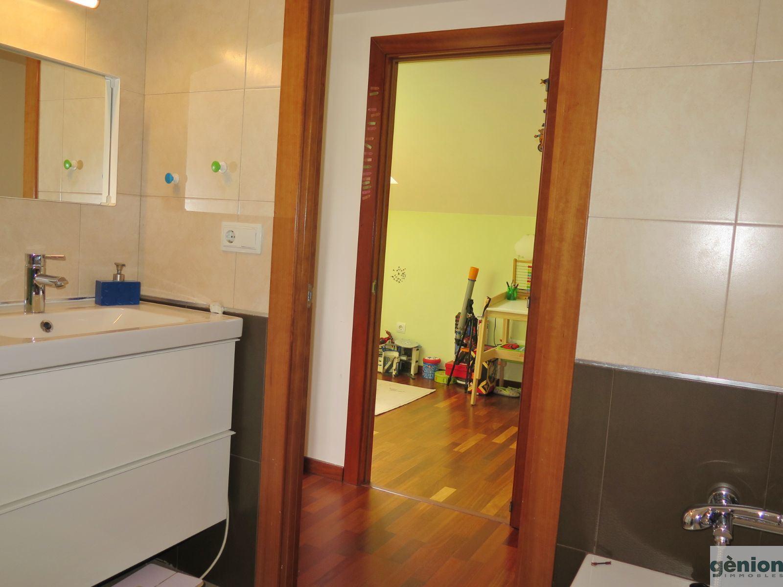 duplex 3 chambres et 2 salles de bains