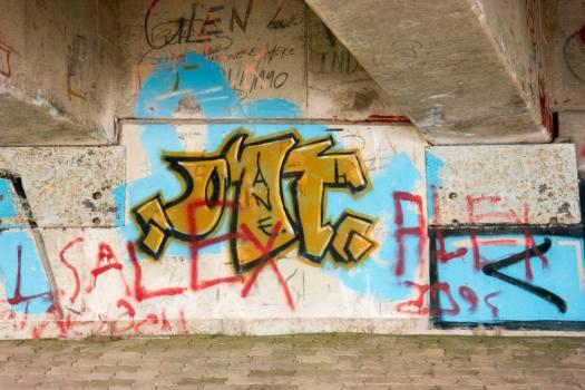3Graffiti - N2 Freeway bridge over the Mtwalume river, KZN