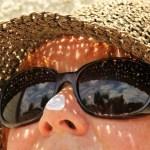 日焼け止めの正しい見方、選び方。SPF、PA+?肌、体への影響は?