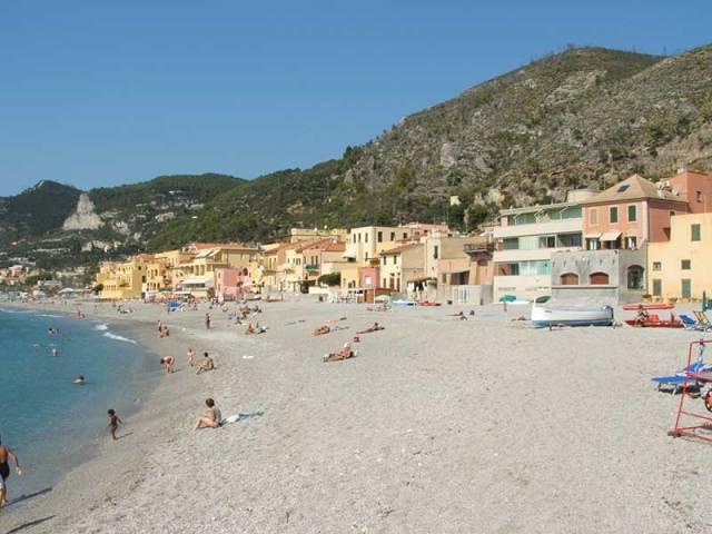 riviera_ponente_spiaggia_varigotto