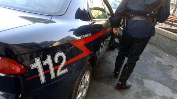 Lite in famiglia in via San Luca, i carabinieri intervengono: due feriti. Arrestato un magrebino