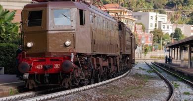 Sabato sul treno storico da Genova ad Arquata Scrivia. Domenica: Rossiglione e Ovada