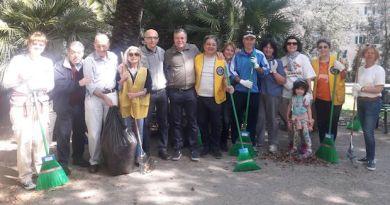 Il Lions Club Andrea Doria e l'assessore Campora: volontariato per ripulire Villa Croce