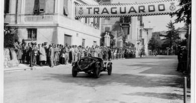 Rievocazione della Pontedecimo-Giovi, mostra di foto d'epoca a Marina Genova