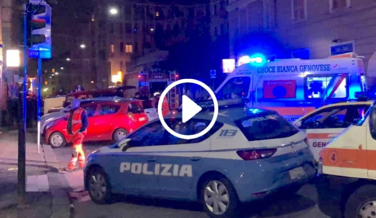 Incendio in un appartamento in via Trebisonda, paura alla Foce - IL VIDEO