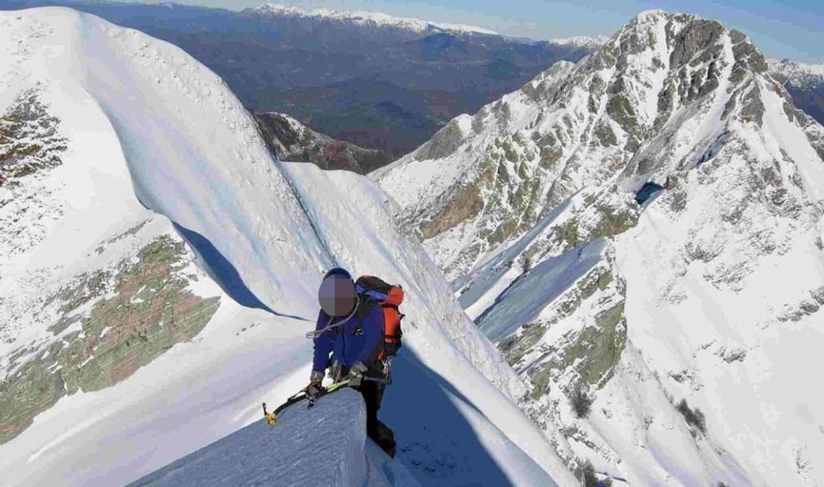 Alpinista genovese muore cadendo dalla cascata Piombo Calcagno, sulle Apuane