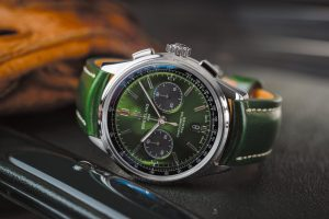 【WATCH】ブライトリング&ベントレーの新作ウオッチ発表。 | Premier B01 Chronograph 42 Bentley British Racing Green with a British racing green leather strap | 6枚目の写真 (全6枚)