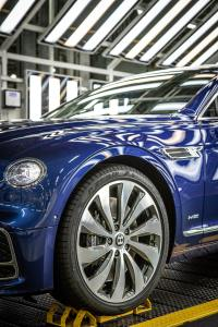 - Bentley_Flying_Spur_Production_10184-min