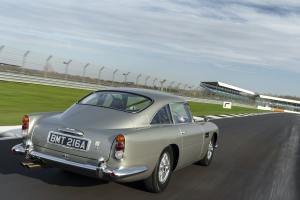 - Aston_Martin_DB5_Stunt_Car_00064