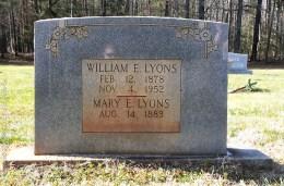 Lyons_WilliamE_and_MaryE_WhiteCrestBapt_MtGileadMontgomeryCoNC