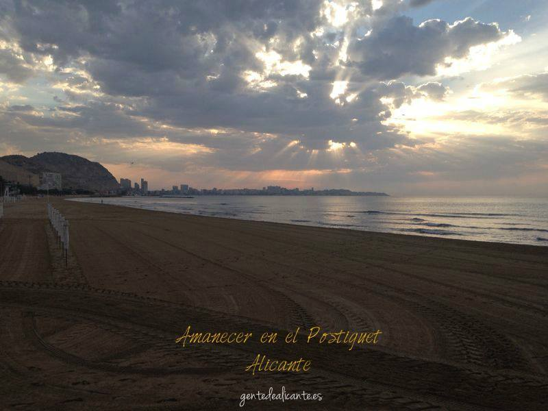 amanecer-postiguet-alicante-nublado