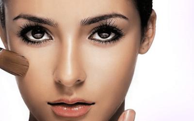 Consigue una apariencia más profesional con estos consejos de maquillaje de oficina