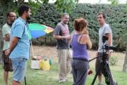 Fran (director de arte), Fernando (sonido), Fernando (director), Marta (realizadora) y César (director de fotografía) preparando rodaje.