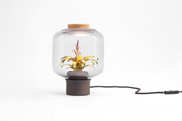 Gospodo, idealna rasvjeta za vaš dom ili ured je Mygdal svjetiljka-biljka