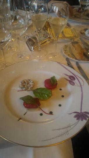 cremant de Savoie au Grand vefour assiette