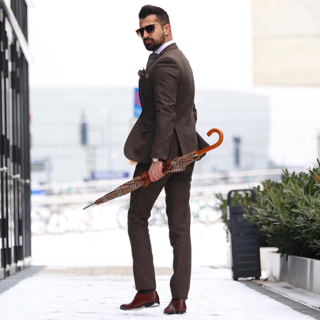 Great shot showing Makan's brown suit