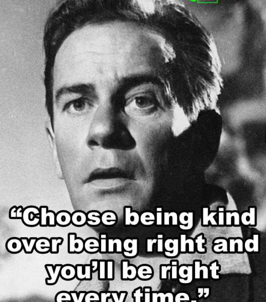 """""""Choose being kind over being right and you'll be right every time."""" -Richard Carlson"""