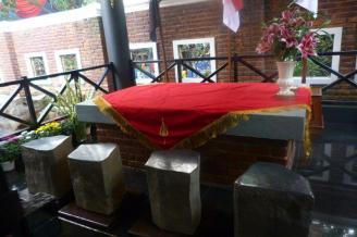 Replika Watu Gilang Sriman Sriwacana di Bale Pakuan, Karadenan, Kab. Bogor