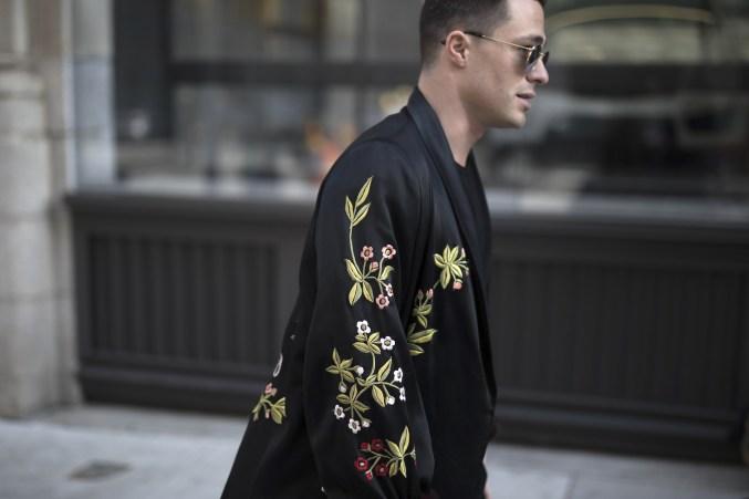 onthestreet-new-york-fashion-week-february-2017-gentsome-magazine221