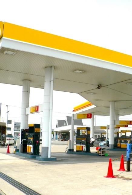ガソリンスタンド GS