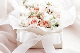 Choosing the perfect wedding gift... on a budget