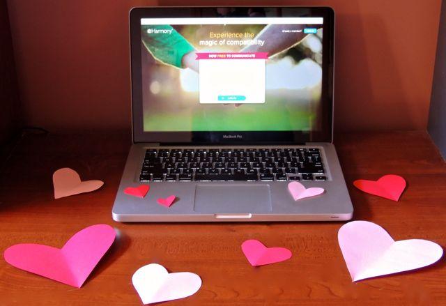 boyfriend still online dating