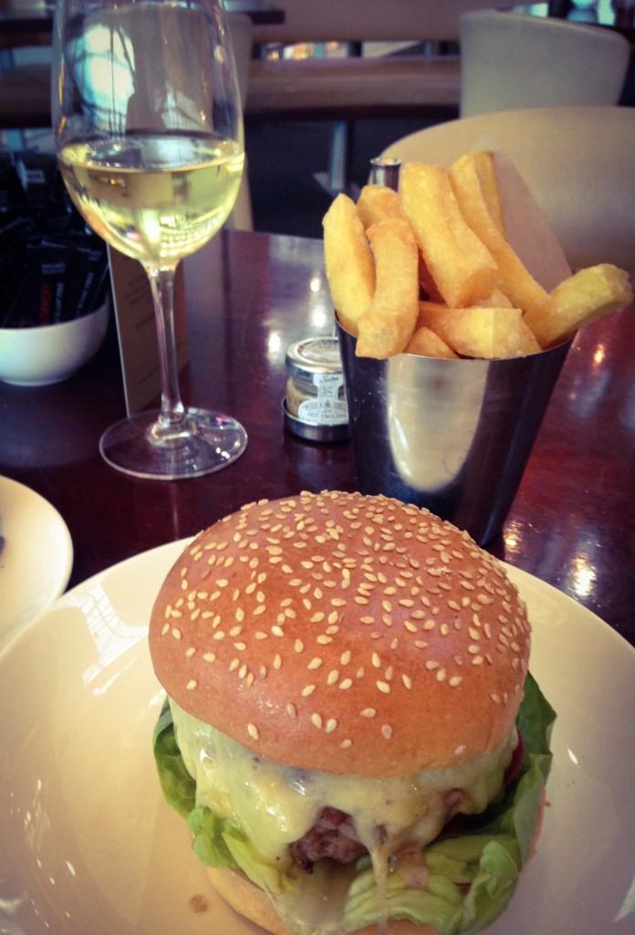 Gordon Ramsey Plane Food Burger