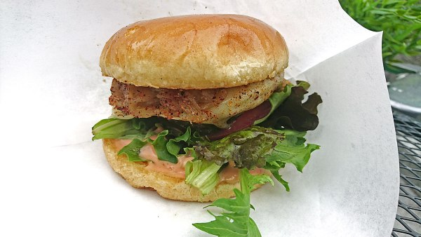 Nikos Diner Cheeseburger Gaumenfreude Streetfood