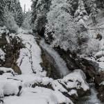 Die verschneiten Simmenfälle