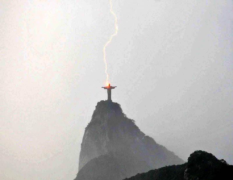 christ_lightning.jpg