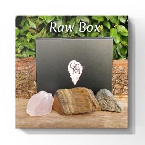 mineraux pierres naturelles precieuses cristaux cristal de roche amethyste pyrite coffret
