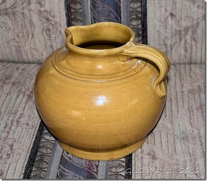 02a Old ceramic pitcher $10 Skyline yard sale Yarnell AZ (1024x897)