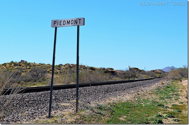 05a Piedmont sign by RR tracks Deer Creek Rd AZ (1024x678)