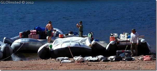 01e NPS boats Lee's Ferry AZ