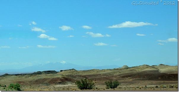 023e Mt & desert_001 (1024x526)