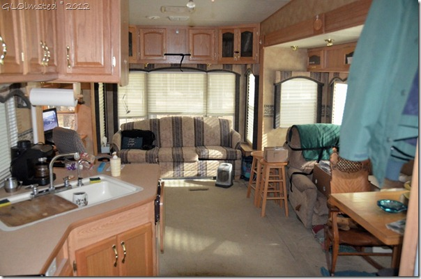 01 RV living space (1024x678)