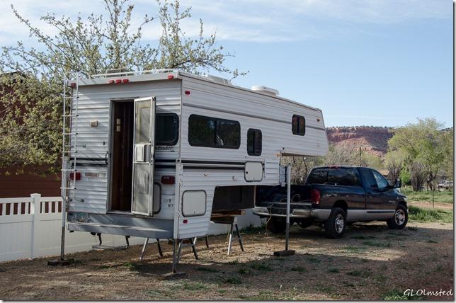 Camper off truck Kanab Utah