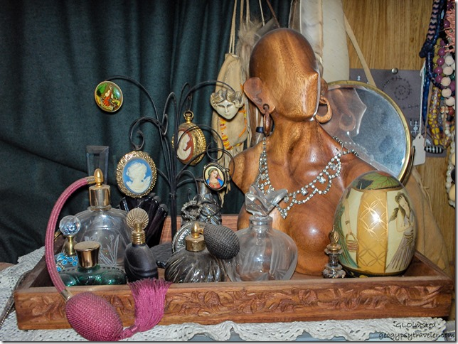 Jewelry & perfume bottles Yarnell Arizona