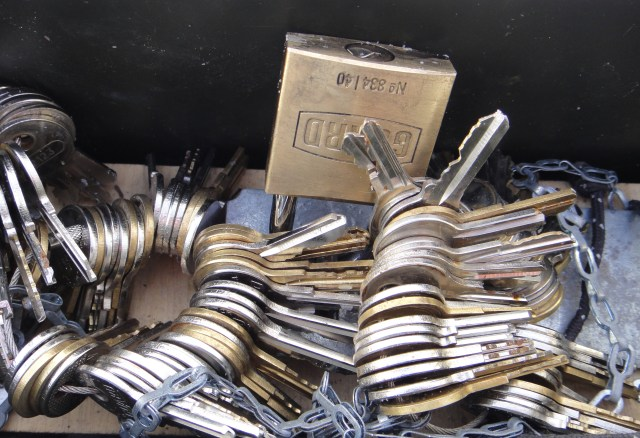 To access the logbook in this ammo can cache requires sorting through about 150 keys to find just the right one to open the padlock.